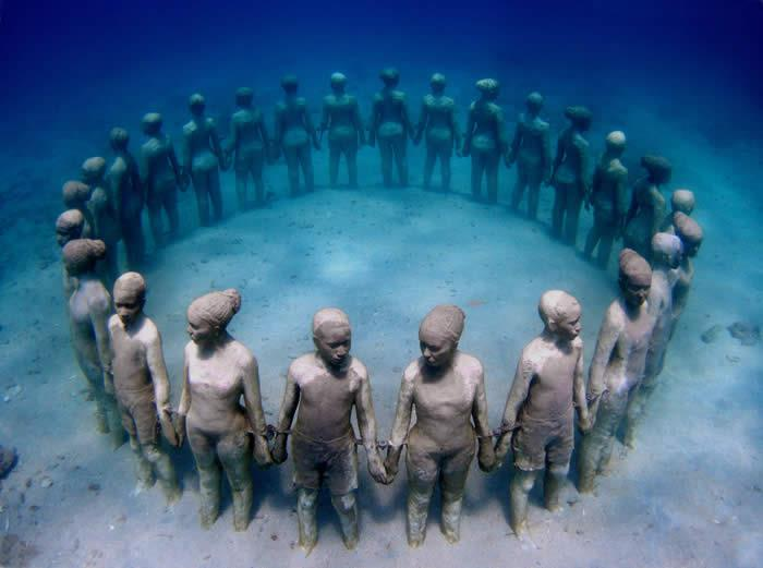 [News] Artist Jason de Caires Taylor clarifies intention of Underwater sculptures in Grenada originally thought to be a tribute to slavery